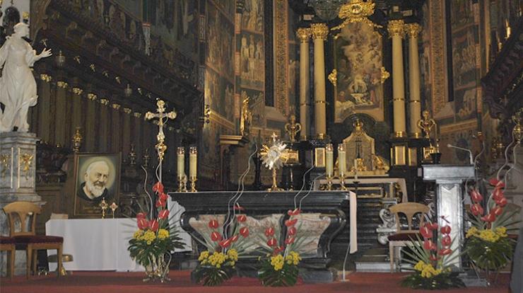 Nocne czuwanie w sandomierskiej katedrze