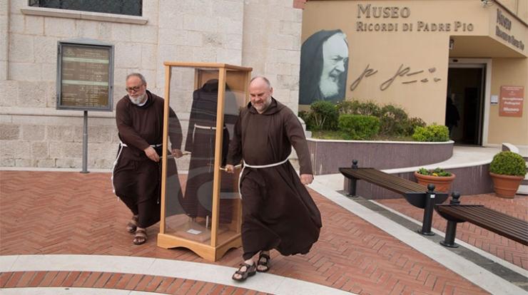 Relikwie Ojca Pio odwiedzają Polskę
